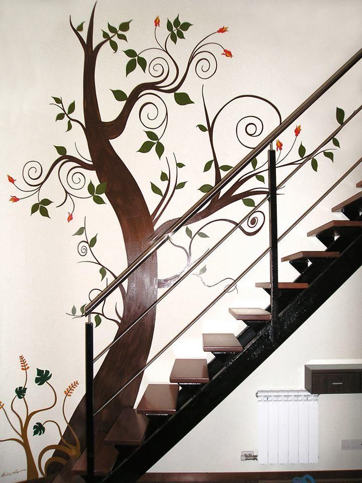 Hasta una simple escalera puede tomar personalidad con un pincel y algo de creatividad. Por Nieves Miranda