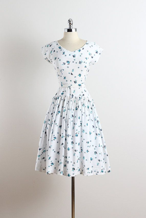 Bee's Knees . vintage 1940s dress . vintage by millstreetvintage