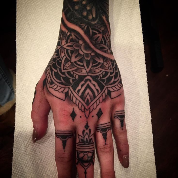 Pictures Of Maori Tattoos For Women On Hand Kidskunst Info