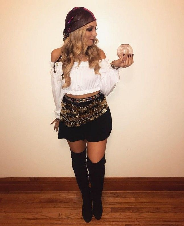 Woman Last Minute Pirate Costume : woman, minute, pirate, costume, Halloween, Customes, College