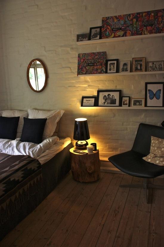 Chaleureuse chambre un brin vintage qui conserve une allure de cottage naturel. www.entreprise-cochet.fr