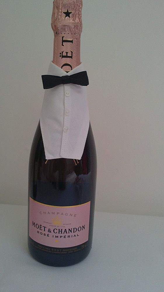 Champagne & Wine Bottle Cover (code 6) £8.50