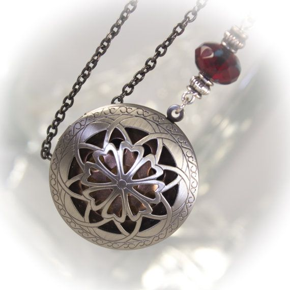 Ultimate Essential Oils locket with diffuser insert - Limited time FREE Refill gift included 219903DASB