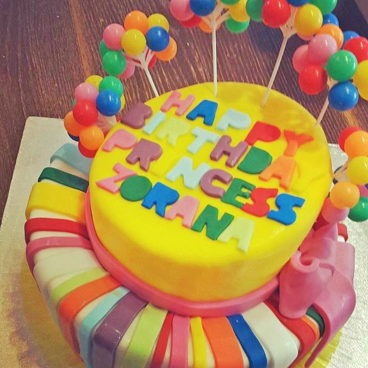 We celebrated Zorana's birthday with a delicious cake with a chocolate and caramel filling and a colorful sugar paste coating.