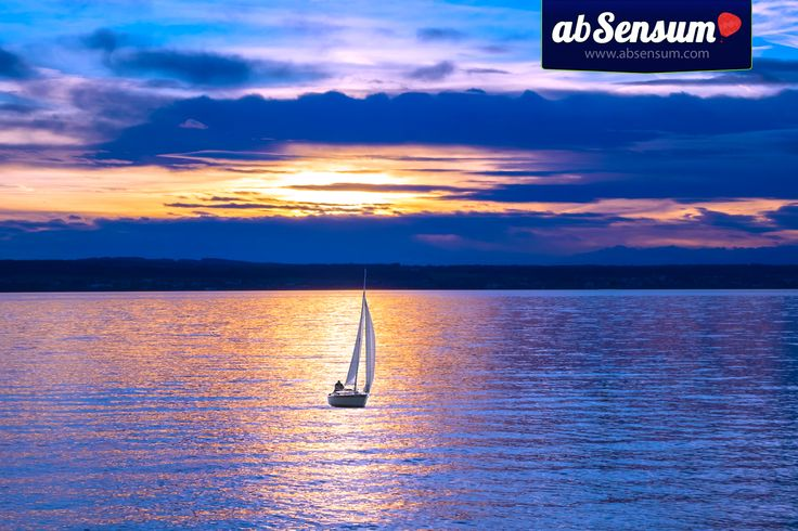 A wonderful and relaxing way to spend a fantastic evening. #sailboat #sea #travel #travelexperiences