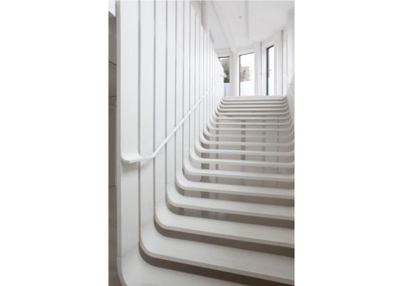 Floating Staircase / Zaha Hadid Architects
