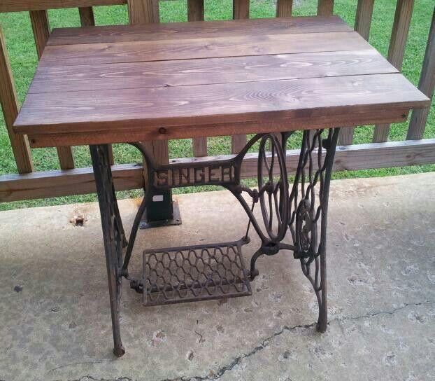 antique singer sewing machine table diy pinterest. Black Bedroom Furniture Sets. Home Design Ideas
