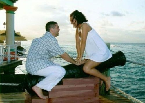 keep this as a memory. for sure.: Awkward Engagement, Humor Pictures, Engagement Photos, Funny Pictures, Funny Gifs, Lols Gif, Funny Photos, Funny Videos, Cats Funny
