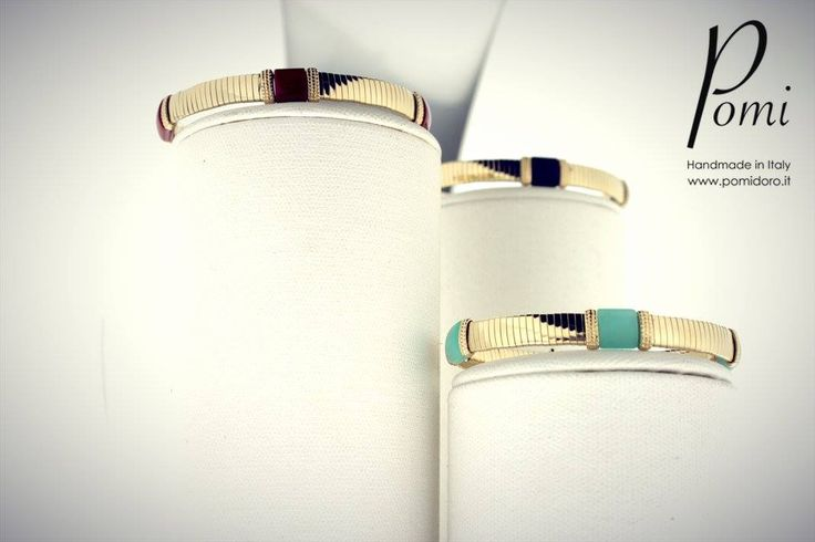 Gold Bangles -- Pomi Gold Collection -- www.pomidoro.it