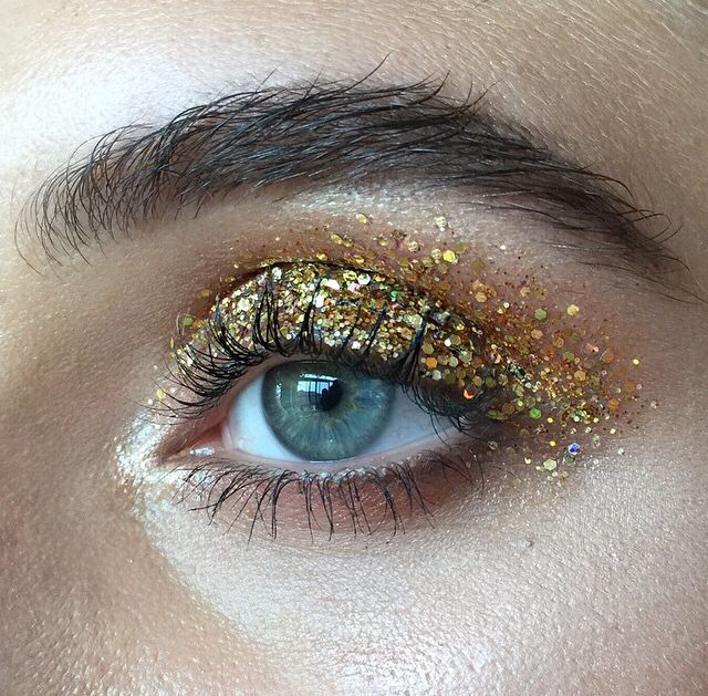 This Pin was discovered by V.AN W.ONGA. Discover (and save!) your own Pins on Pinterest. #glittereyeshadows