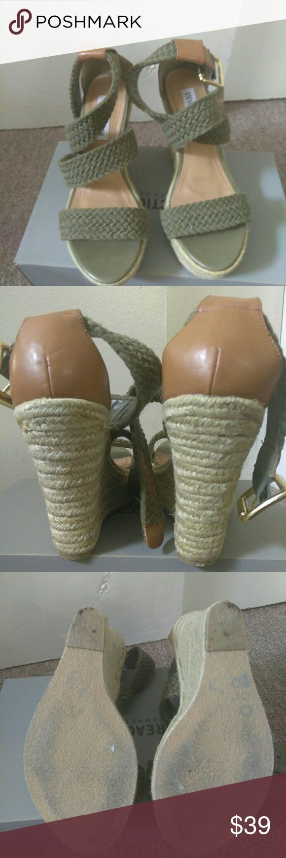 Steeve madden sandals Pretty heels green and light brown sandals sandals like new Shoes Heels