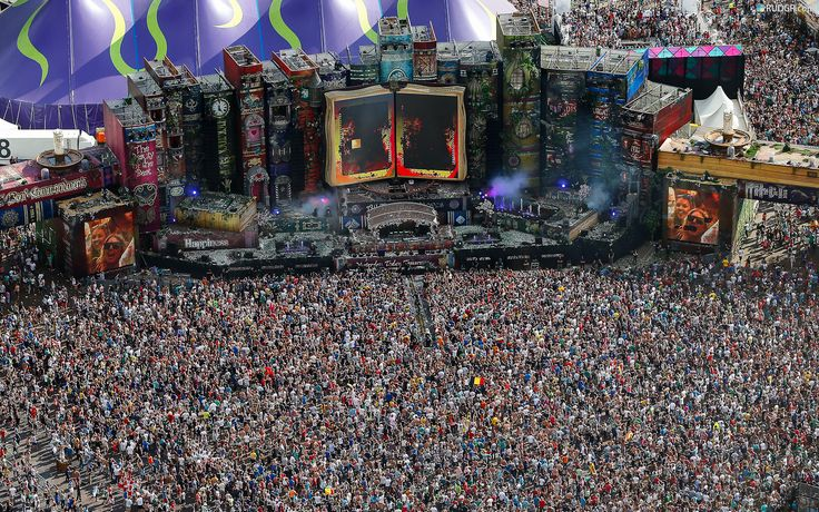 """""""One-World Paganism Revival of the anti-christ"""" -   http://defendproclaimthefaith.org/blog/?p=34139     Photo: The Massive Crowds at Tomorrowland Festival Meeting"""