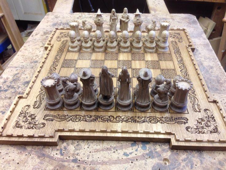 King Arthur Oak and Walnut chess set