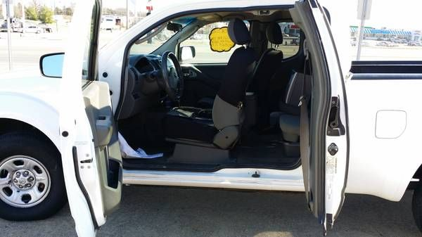 Make:  Nissan Model:  Frontier Year:  2005 Vehicle Condition: Good  Price: $8,200 Mileage:150,000 mi Fuel: Gasoline  Contact:  615-686-5199  For More Info Visit: http://UnitedCarExchange.com/a1/2005-Nissan-Frontier-601009010870