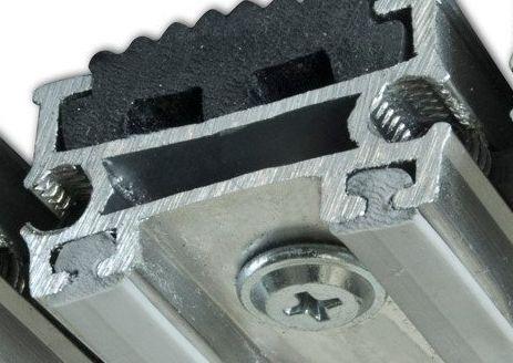 Jak zmontować aluminiową wycieraczkę? http://www.wycieraczka.eu, http://www.wycieraczka.eu/wycieraczki/5-wycieraczki-i-maty-winylowe, http://www.wycieraczka.eu/wycieraczki/2-wycieraczki-aluminiowe