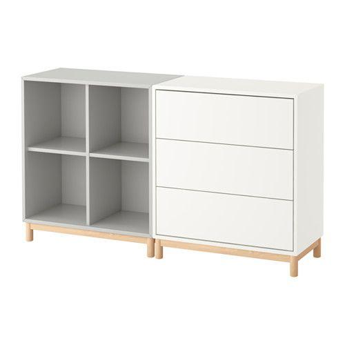 EKET Kombinacja szafek z nóżkami IKEA Ukryj lub wyeksponuj rzeczy łącząc zamknięte i otwarte formy przechowywania.