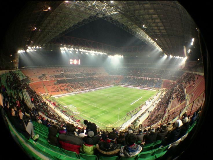 """Stadio San Siro """"Giuseppe Meazza"""" in Milano, Lombardia"""