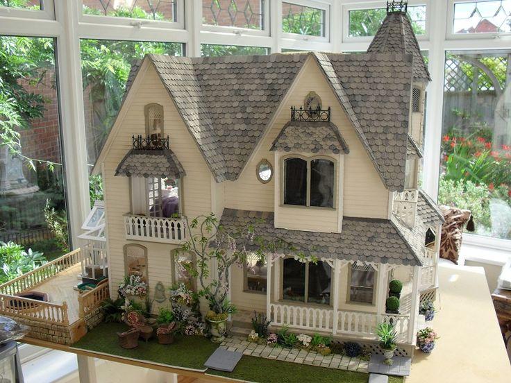 http://www.dollshousespastandpresent.com/apps/photos/photo?photoid=145430898
