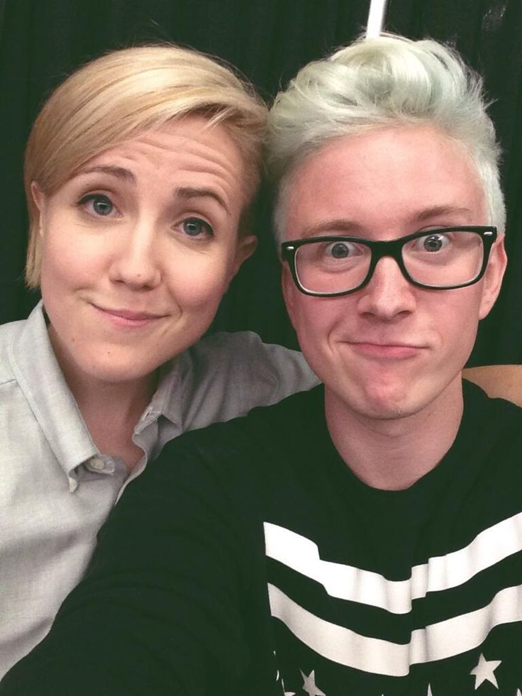 Who is ready? It's time to host the #VidCon mainstage with @harto! Tons of special guests and surprises!