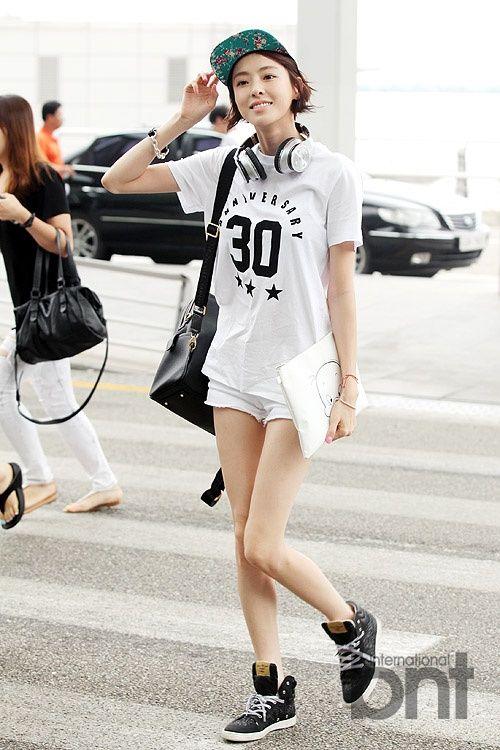 <3 Lee Da hee in trendy street fashion inspired look