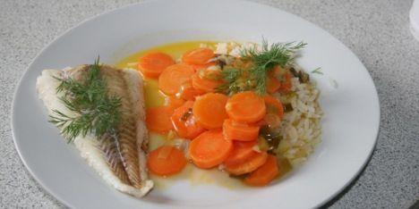 Ovnbagt torsk med gulerødder i en spændende sauce med et touch af ingefær.