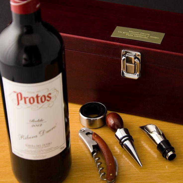 """Regalos personalizados Vinos Personalizados: Caja """"Sumiller"""" grabada con vino Protos 35€"""