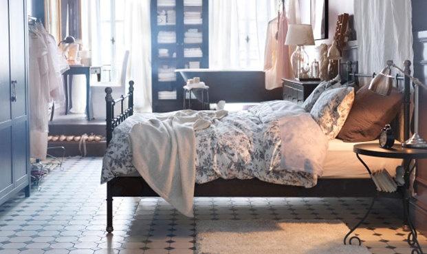 alvine kvist quilt cover and 4 pillowcases white grey. Black Bedroom Furniture Sets. Home Design Ideas