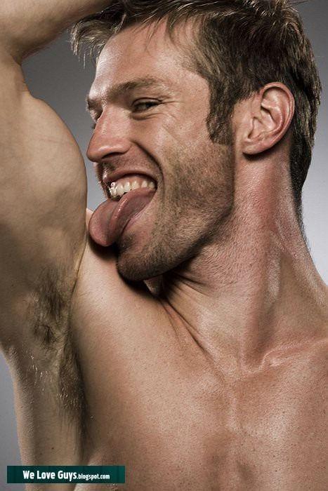 Marco Dapper Gay Kiss