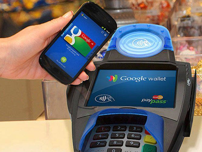O novo projeto do Google promete ser revolucionário. O objetivo doGoogle Wallet é acabar com sua carteira cheia de cartões, recibos e dinheiro de papel. O APP substitui todas essas funções de uma maneira muito prática e tem grandes chances mudar nossas vidas, de novo. Basta abrir o aplicativo, escolher o tipo de pagamento e aproximar o celular do dispositivo de pagamento, parecido com a máquinas de crédito e débito, mas com leitores NFC. O sucesso do projeto depende apenas da distribuição…