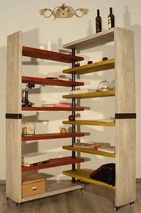 Guardate che idee originali perle vostre librerie casalinghe! ;) Quali vi piacerebbe provare?? Pesare la cultura con una mensola a forma di bilancia: Conv