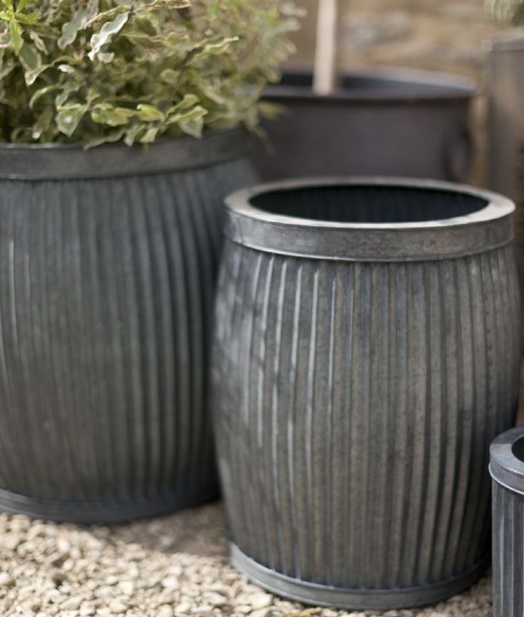 metal planters with vintage feel set of 2 garden planters in