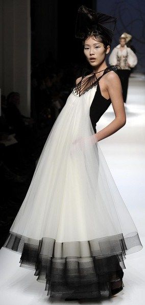 Jean Paul Gaultier-LOVE this gown!  what can I say???...............WOW!!!!!!!!!!!!!!!!!!!!