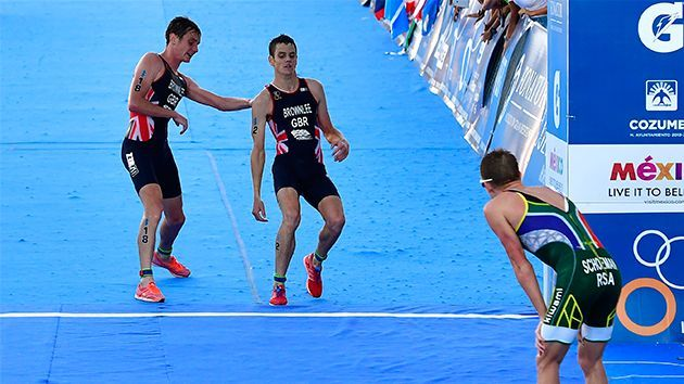Jonny Brownlee helped by brother Alistair to finish WS triathlon - Yahoo7