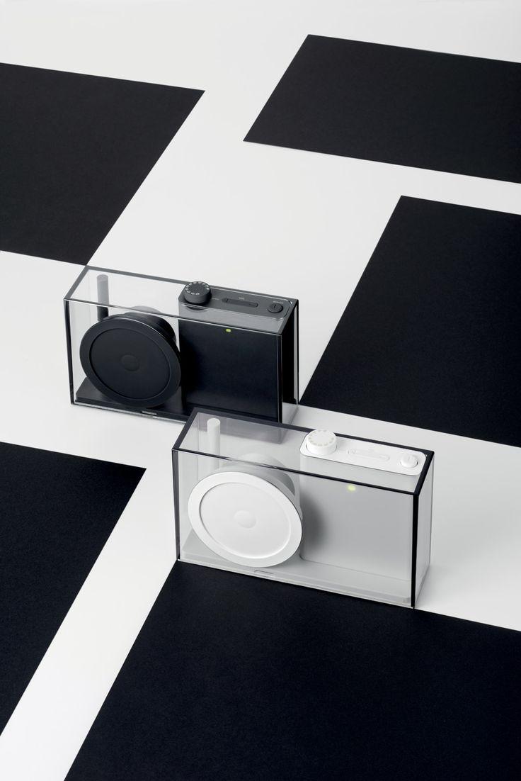Lexon - FLOW radio, design Philip Wong