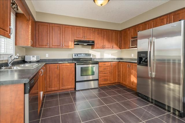 7 Year Old, 3 Bedroom, 2.5 Bathroom, with Double Garage in Wickerson Heights!