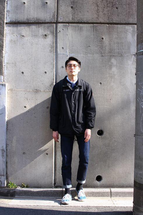 Tokyo Street Style: Jacket C.E /Sweatshirt NIKE /Jeans Levi's /Shoes VANS.