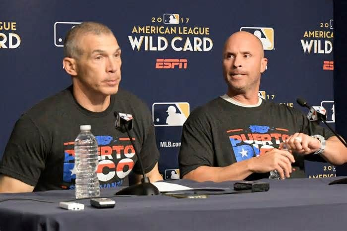 Yankees' coaching exodus has begun Joe Espada moved the Yankees' third-base coach to bench coach with the world champion Astros Thursday and it won't be the last exit by a member of Joe Girardi's former coaching staff. Espada, 42, was the Yankees' third-base coach for the past three ...