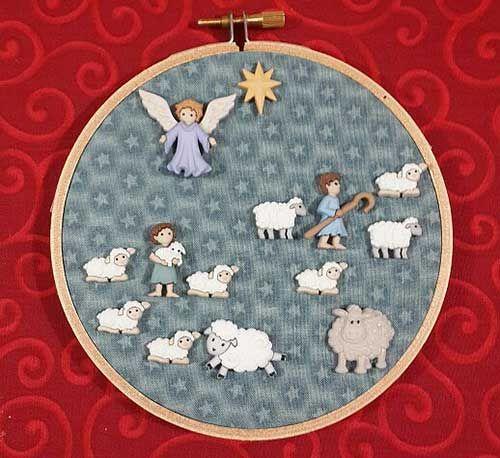 Anunciación a los pastores con botones: ángel, pastores y ovejas