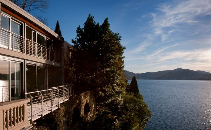 Do you know why our lago di Como has a global fame? Join us at CastaDiva Resort & Spa and experience a true 7* hospitality! www.castadivaresort.com  #RoadToMarbella #Autumn #Special #Lake #Como #Italy