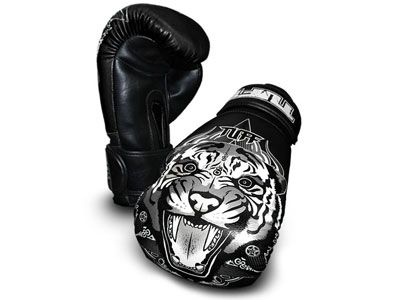 MuayThai Gloves Tiger AWESOME!: 16Oz Tuff, Tuff Muaythai, Fancy Gloves, Gloves Tigers, Boxes Gloves, Black 16Oz, Tigers Gloves, Tuff Tigers, Muaythai Gloves