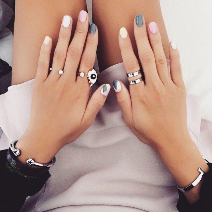 hand met ringen