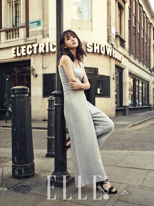 Yoon Seung Ah and Kim Moo Yeol pre-wedding photoshoot in London by ELLE KOREA