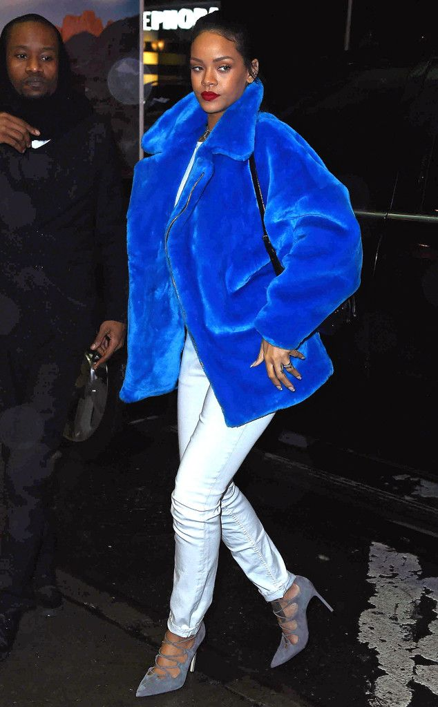 That coat tho Rihanna! The singer steps out in NYC looking amazing!