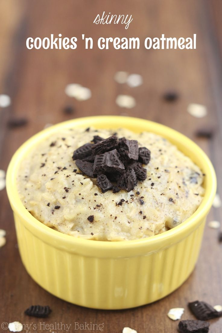 Skinny Cookies 'n Cream Oatmeal -- an easy & healthy recipe with 9g of protein that tastes like dessert!