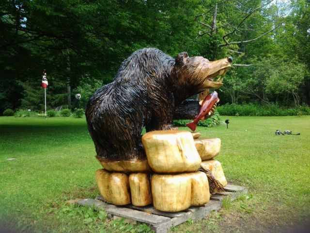 Bear chainsaw woodcarving large north of belleville