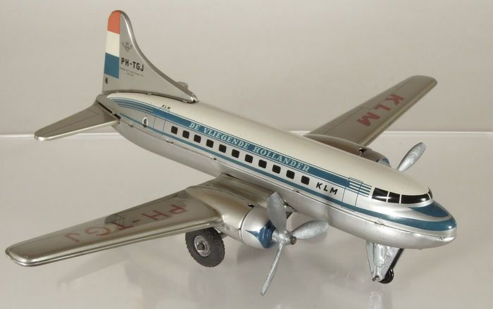 """Online veilinghuis Catawiki: TippCo, Western Germany - Lengte 25 cm - Blikken Convair """"KLM The Flying Dutchman"""" vliegtuig met frictiemotor, jaren 50"""