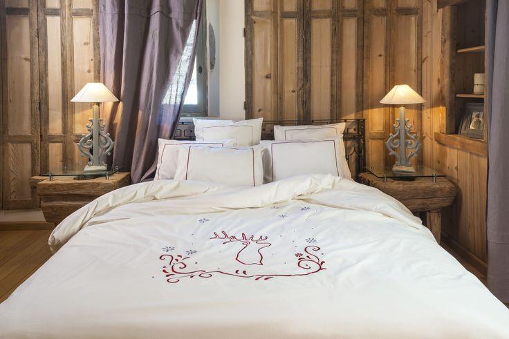 oltre 25 fantastiche idee su housse de couette rouge su pinterest comforter rosso trapunta. Black Bedroom Furniture Sets. Home Design Ideas