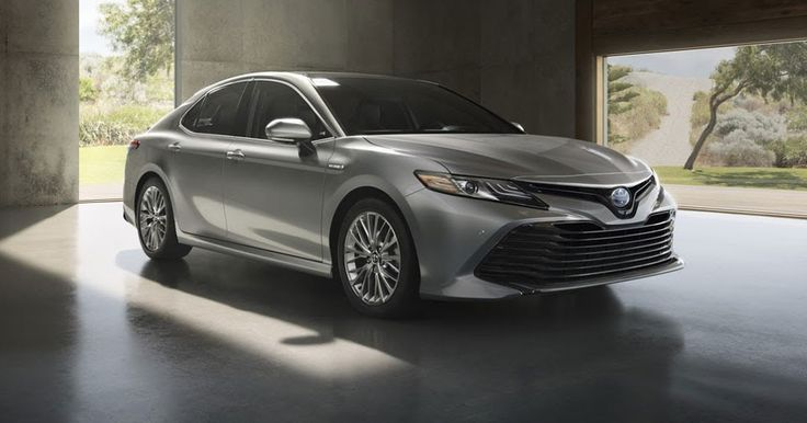 2018 Toyota Camry Hybrid Could Hit 50 MPG In The City #Hybrids #Reports