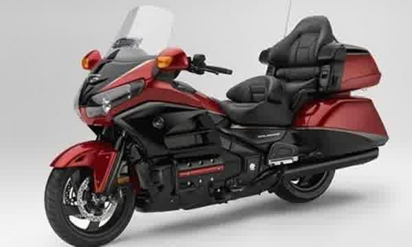 Ini Dia Warna Baru, Spesifikasi dan Harga dari Moge Cruiser Honda Goldwing - http://www.otovaria.com/4248/ini-dia-warna-baru-dari-moge-cruiser-honda-goldwing.html