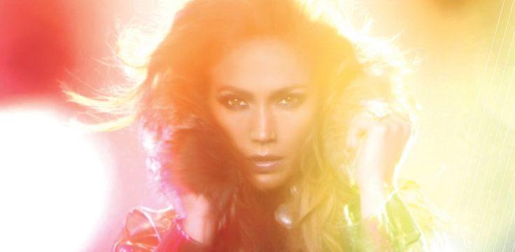 """Jennifer Lopez feat. Flo Rida - 'Goin' In' Tour 2012 - Jennifer Lopez ist ein echter Superstar. Seit ihrem Debüt im Jahre 1999 hat sie weit über 55 Millionen Alben verkauft. Erfolg ist also programmiert, wenn Miss Lopez am Mikro oder vor der Kamera steht. Doch dann holte sie sich Pitbull für die Single """"On The Floor"""" dazu und toppte mit diesem weltweiten #1 Hit noch mal alles."""